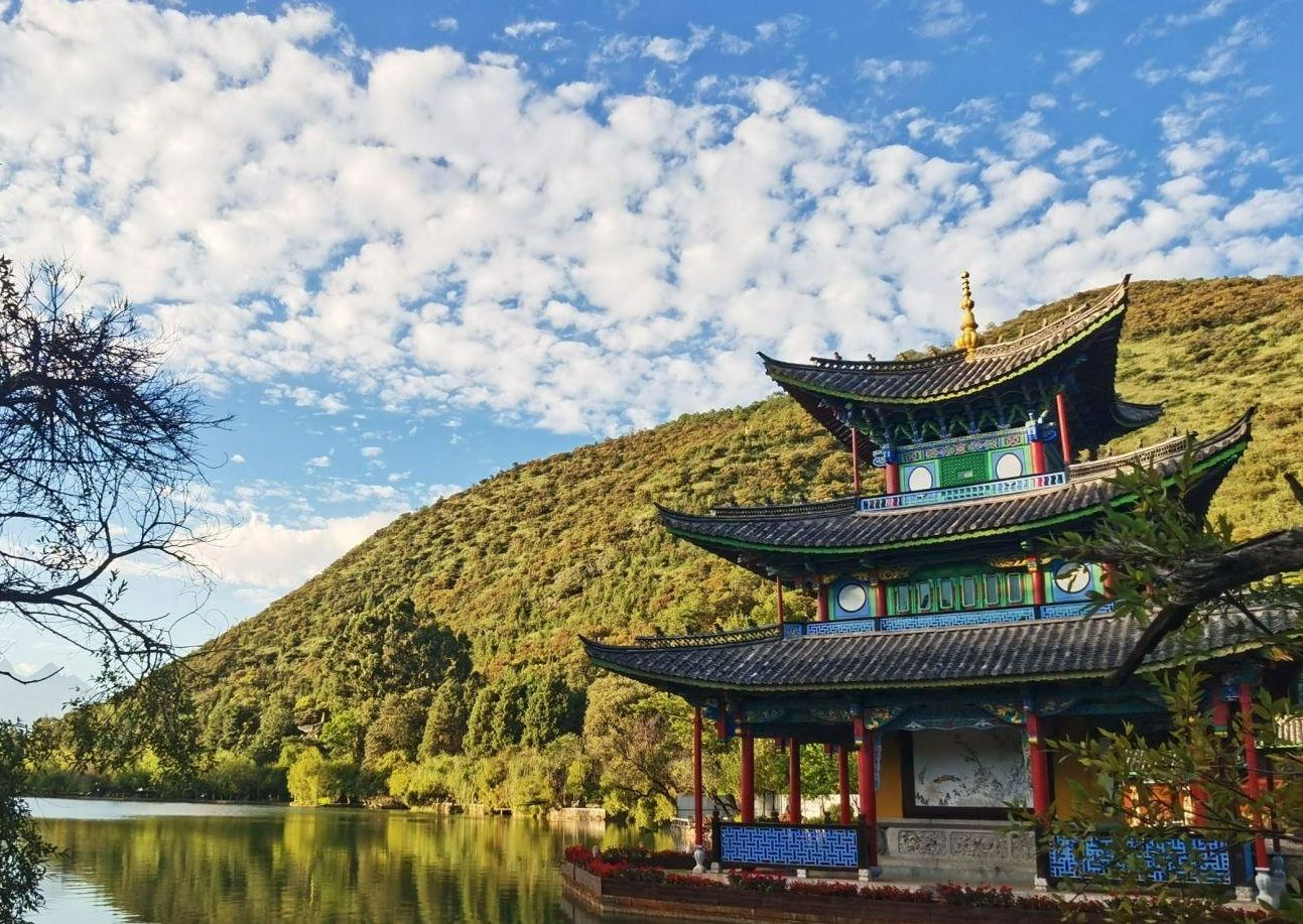 丽江有座百年公园, 在古城边却很冷清, 原来还是最佳赏雪山之地..