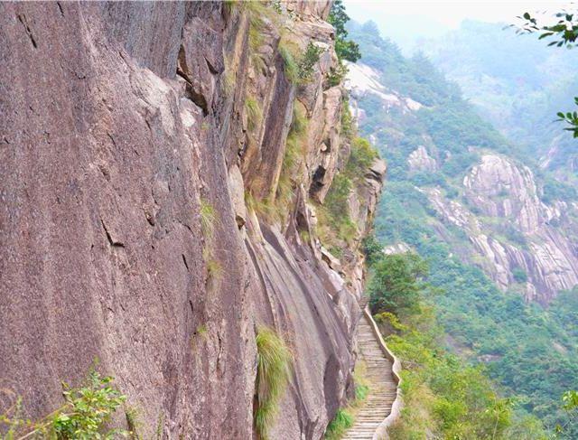 安徽绩溪有一条千年古道, 全长75公里, 却改变了胡雪岩胡适的命运..